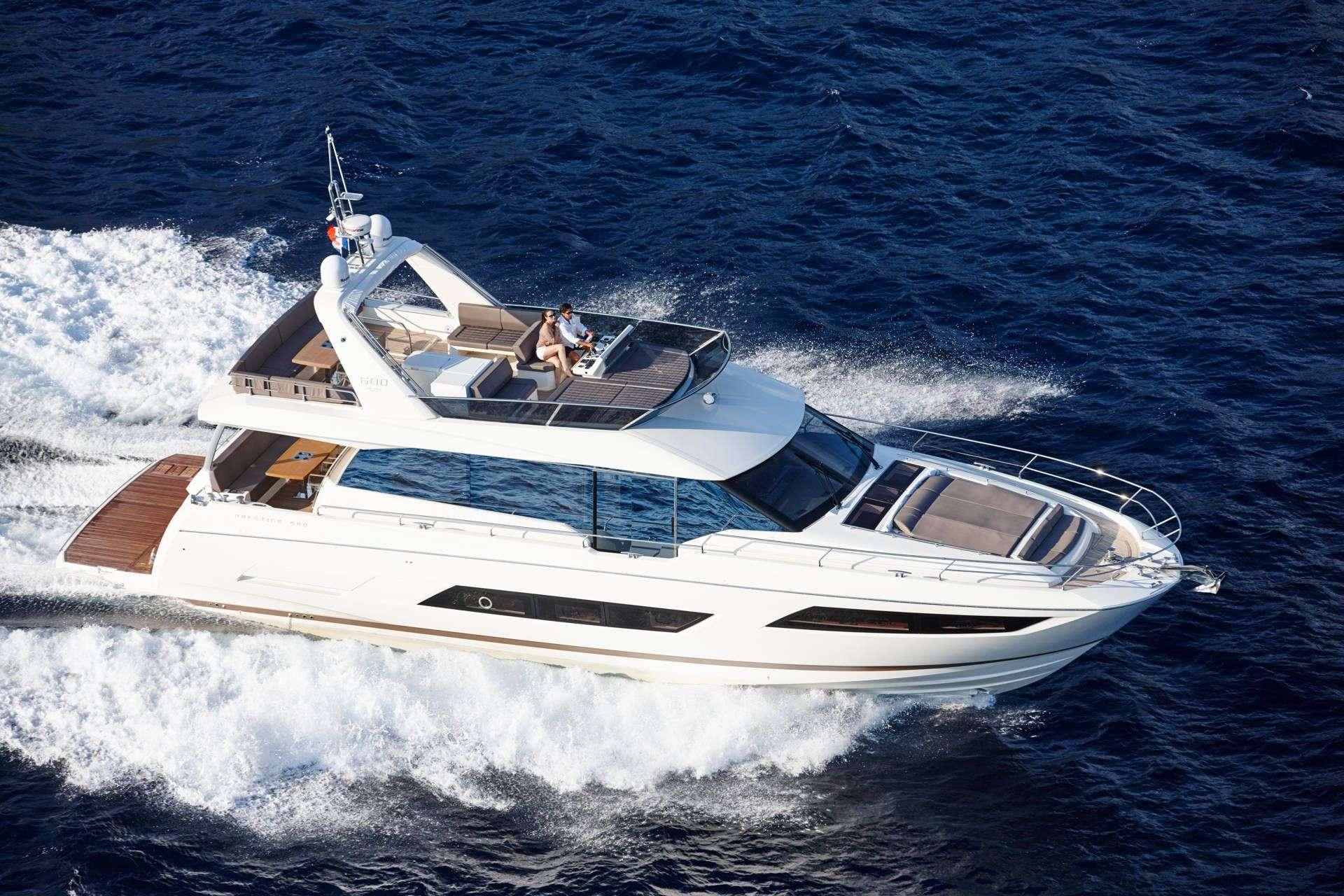 Power Yacht Moët