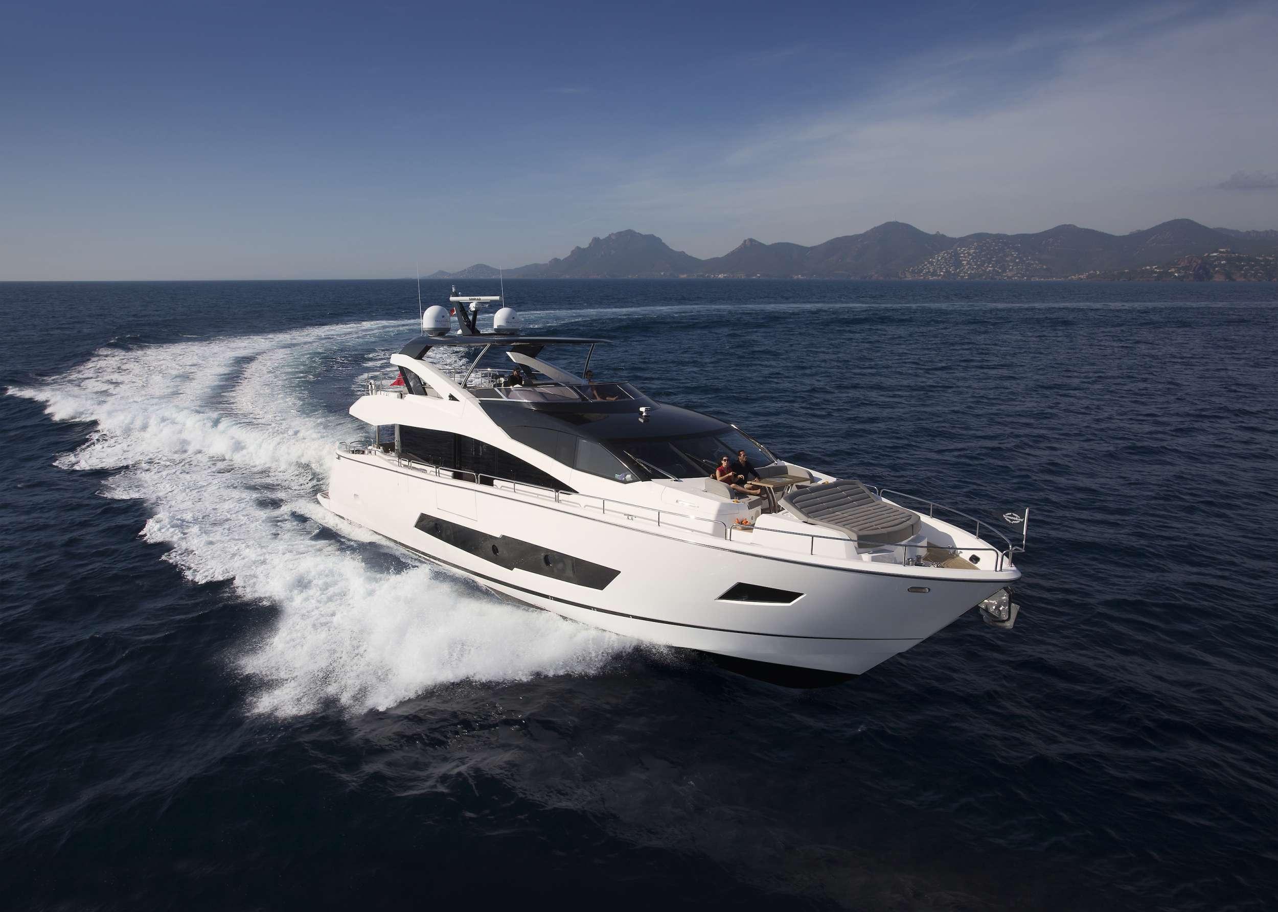 Power Yacht INSOMNIA