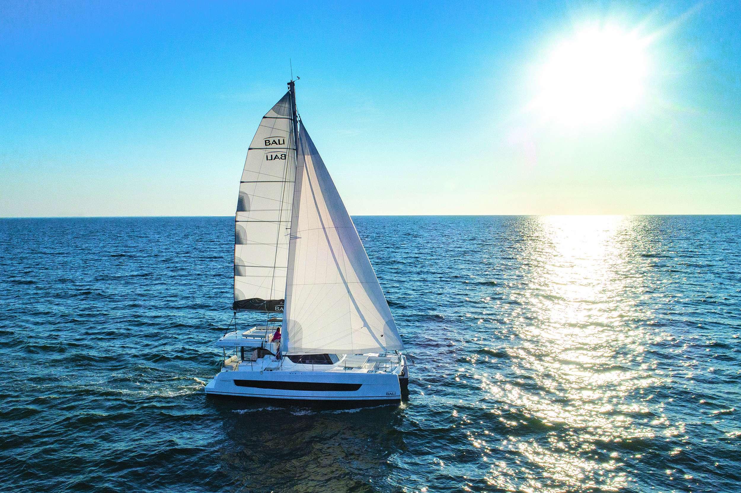 Catamaran SOMNIS