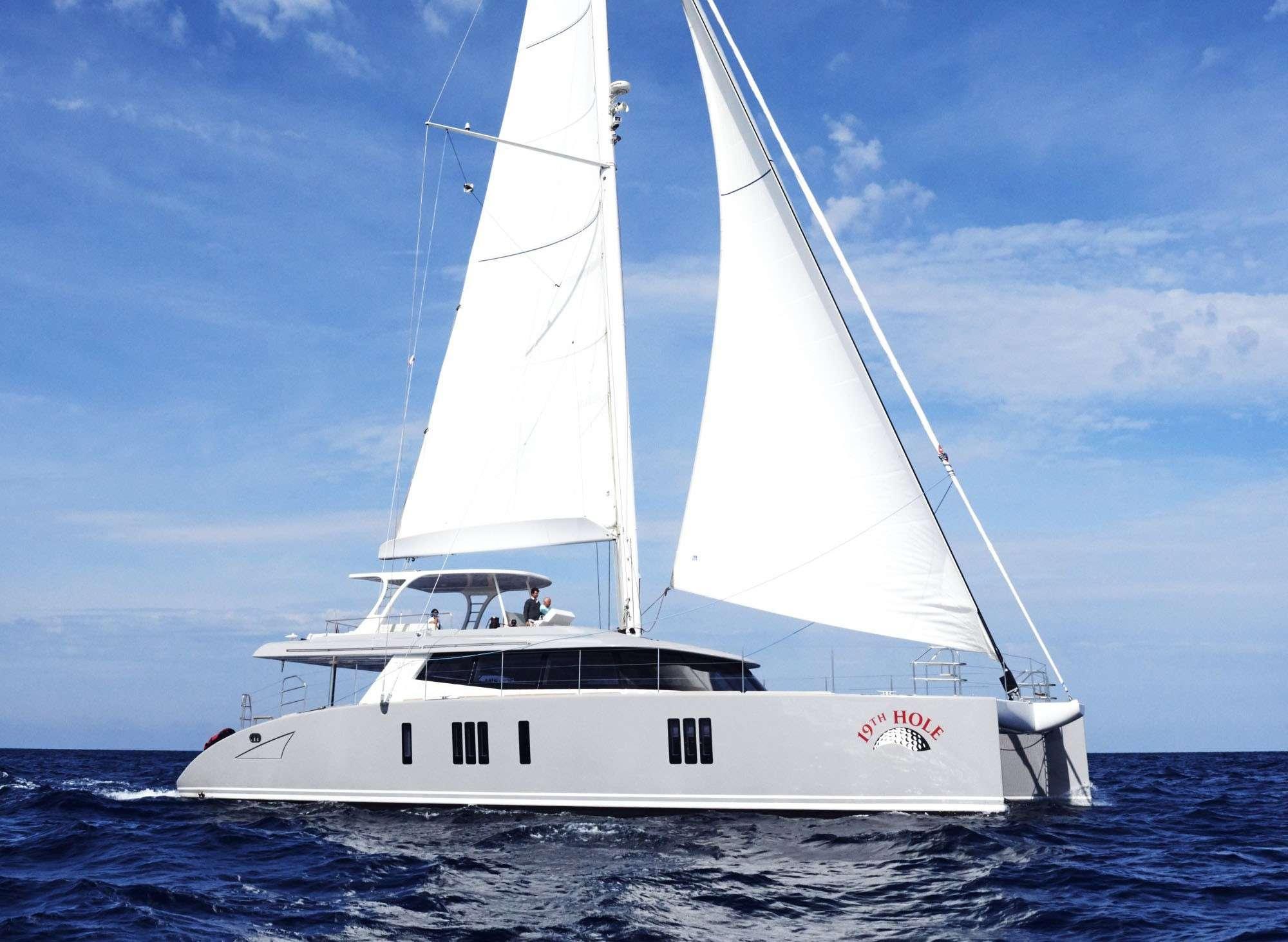 Catamaran 19TH HOLE
