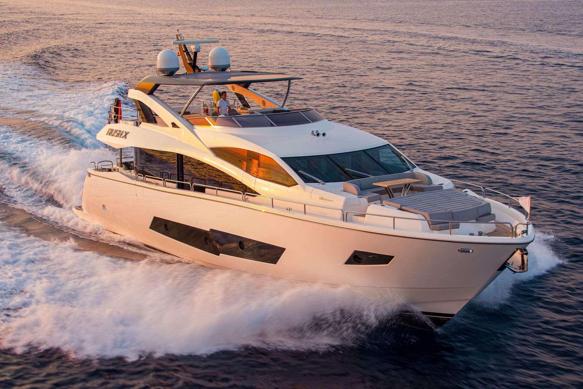 Power Yacht RUSH X