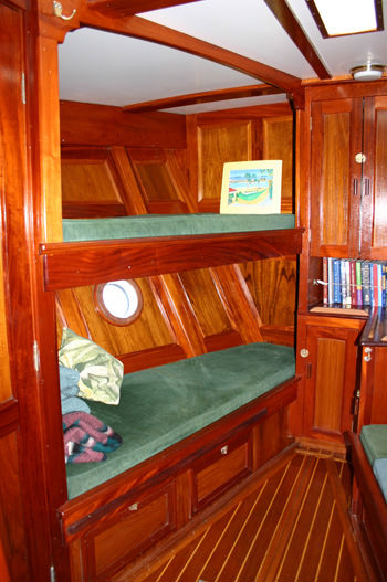 Forward Stateroom to Starboard