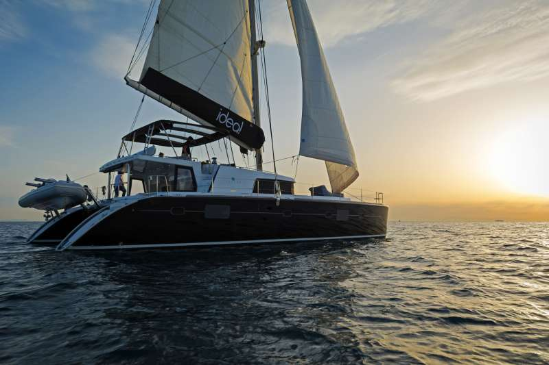 Sail Greece in style! 8-10 guests on a luxurious - brand new catamaran (2009). 4 double bed one twin