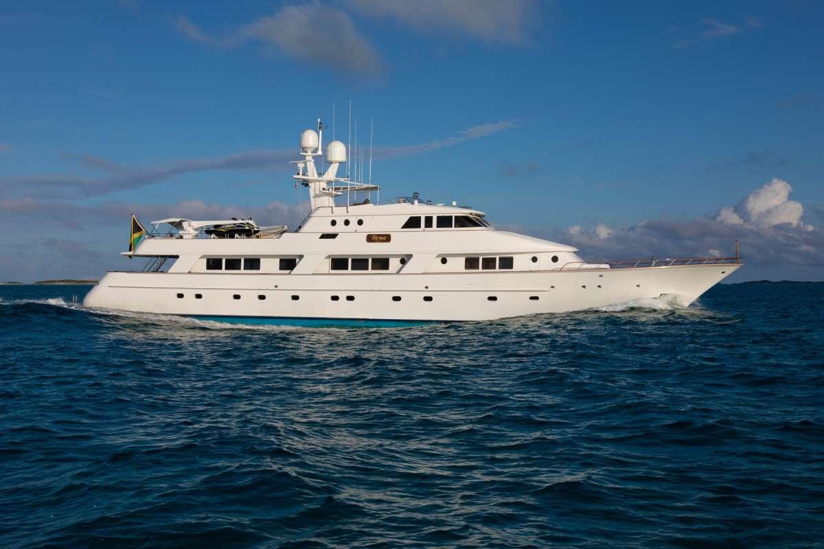 Yacht RENA