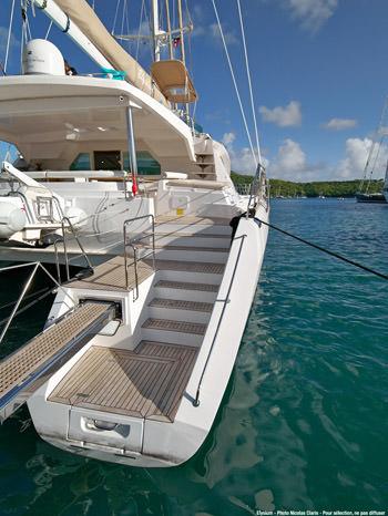 Aft deck and walkway