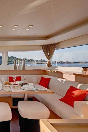 The main saloon, has table that is large enough to seat 8 guests in comfort.