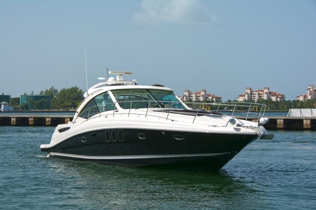 Pier Pressure Luxury Yacht