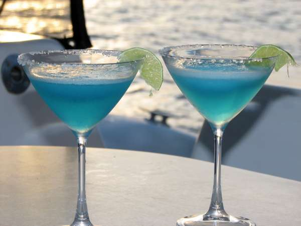 The signature Turquoise Turtle cocktail