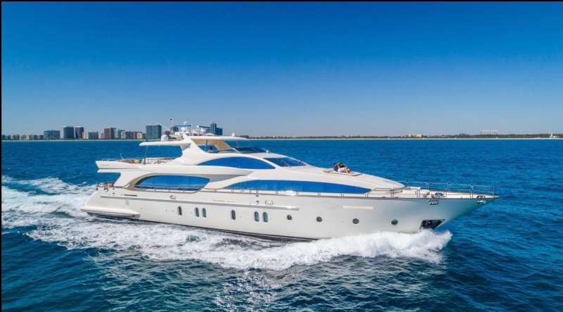 Flawless III Luxury Yacht