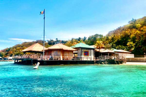 Mustique bay