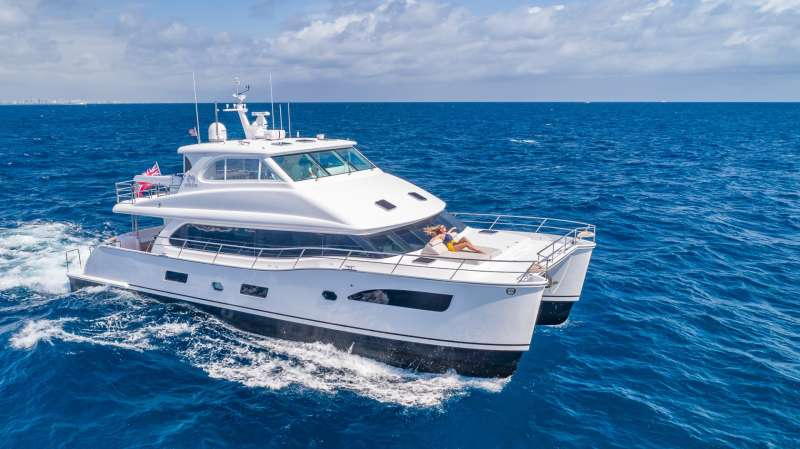 charter yacht Mucho Gusto