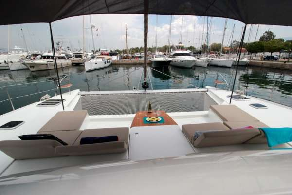TIZIANO SABA50 Front Lounge area