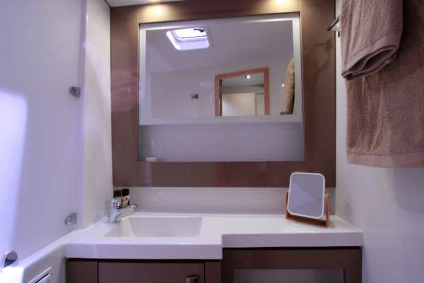 TIZIANO SABA50 Queen Cabin & Shower/WC