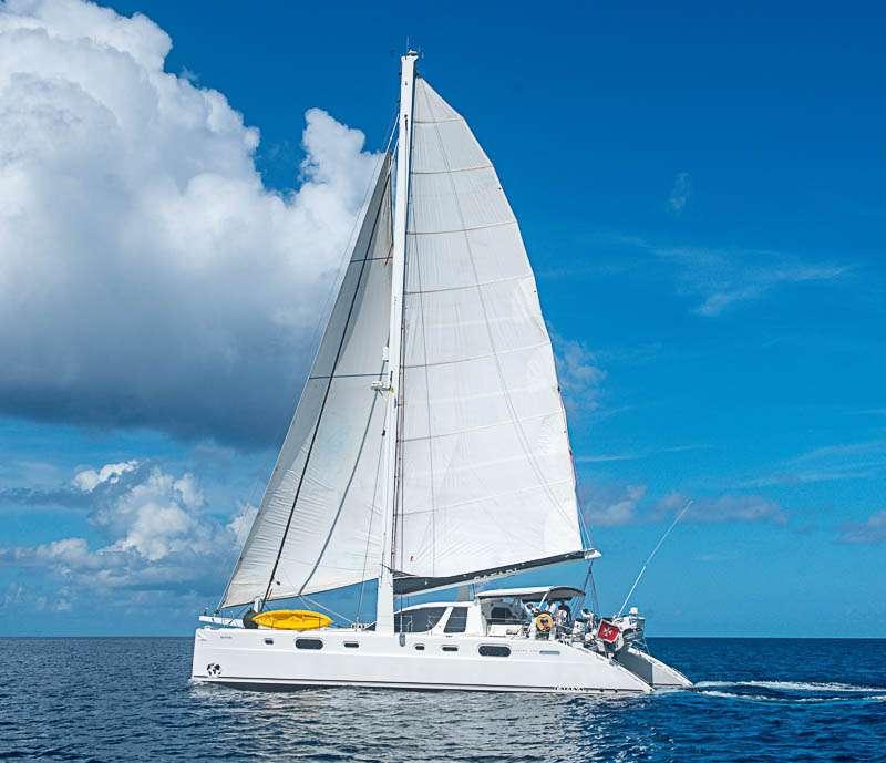 Catamaran Virgin Islands Vacation: Safari Yacht Charter Catamaran