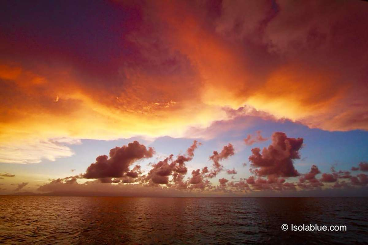 Queen berth converts to Single berths - Port Aft