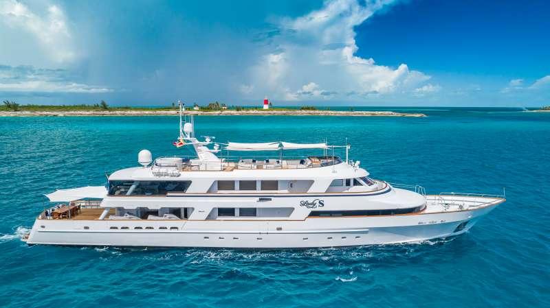 Yacht LADY S