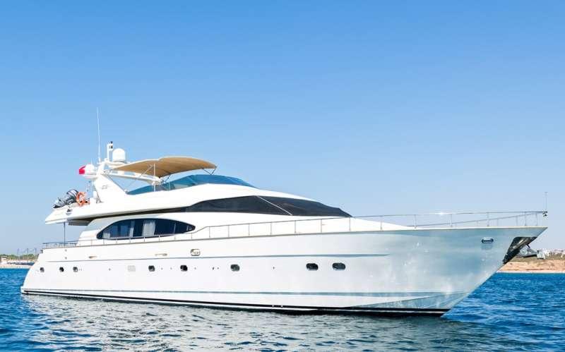 Yacht NISAN