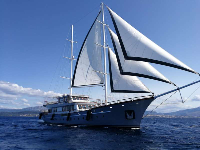 Magnificent newly built luxury yacht CORSARIO is ready for the charter season 2019. This spectacular 48m long and 8,7m wide sailing yacht provides accommodation for up to 12 guests in 6 double-bed, luxury en-suite cabins.  Name Corsario (Spanish word for