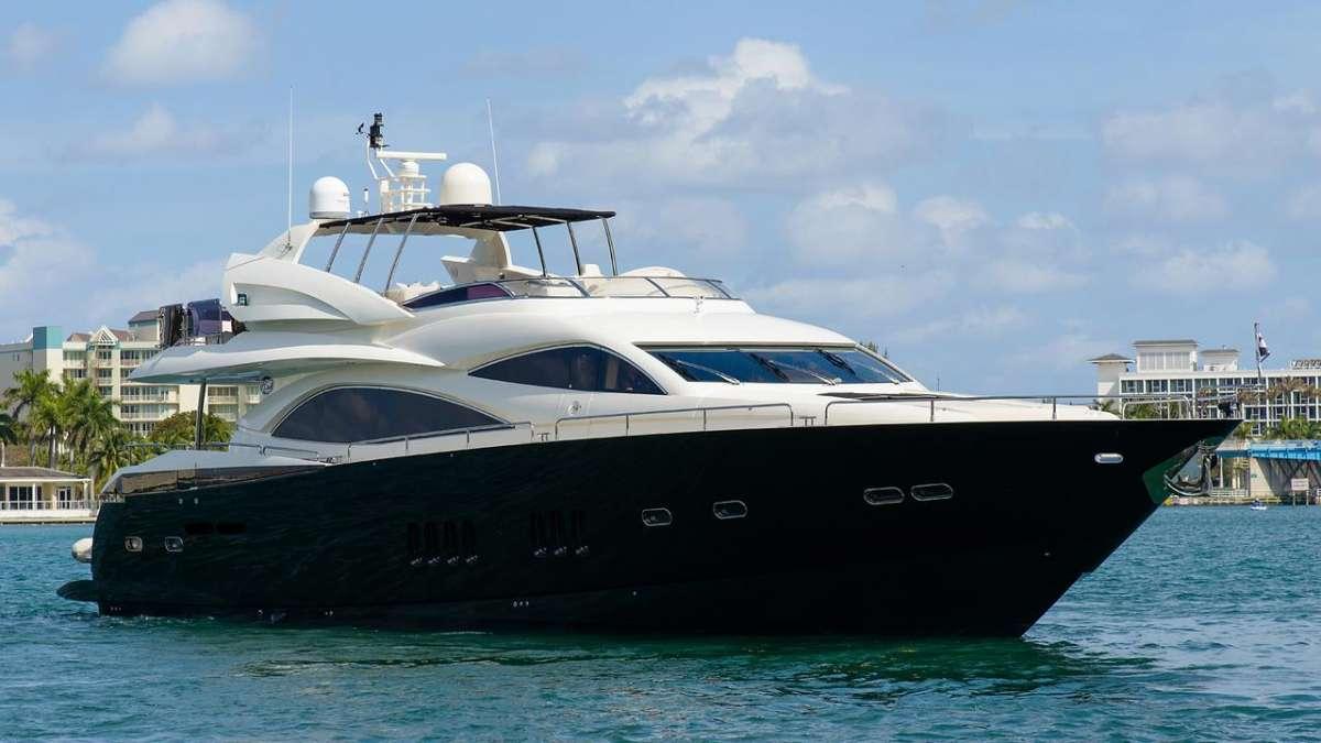 Catalana Luxury Yacht