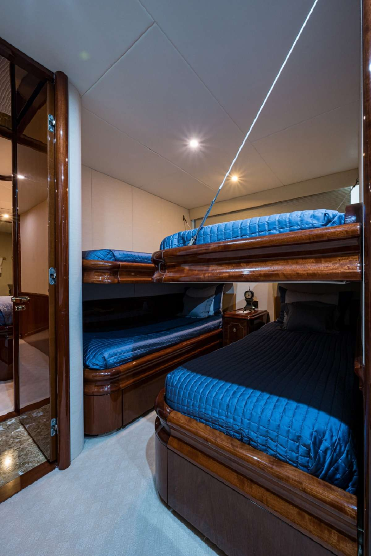 Twin Stateroom with Two Pullmans