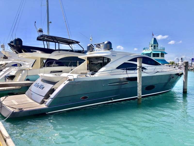 Dolce Vita Luxury Yacht