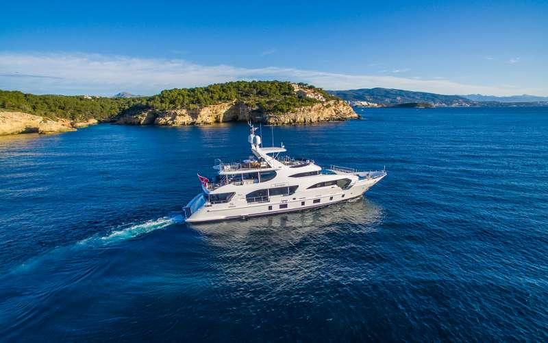 Yacht LULU