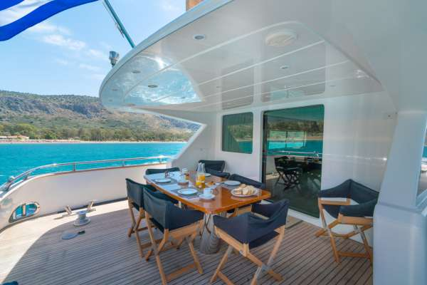 Aft Deck with Alfresco Dining