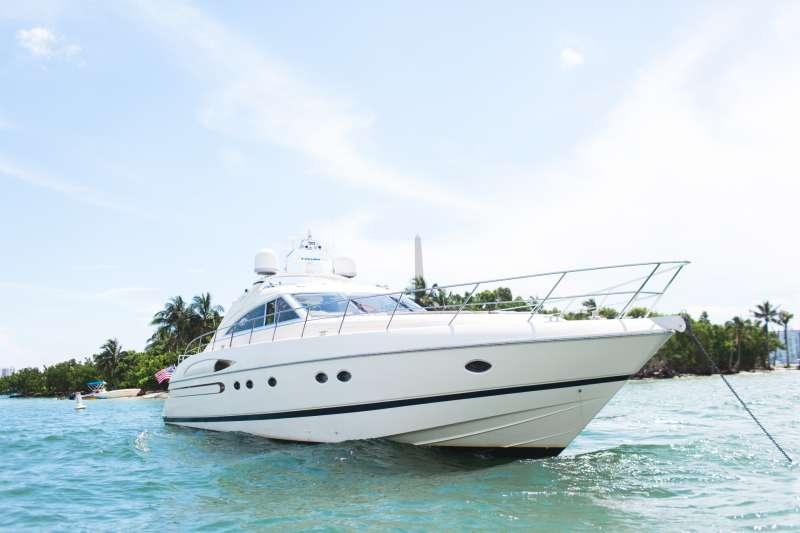 Everyday Luxury Yacht