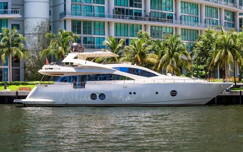 Kaeru Luxury Yacht