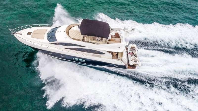 Twins Luxury Yacht