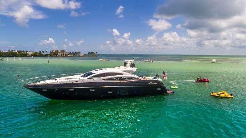 All In Luxury Yacht