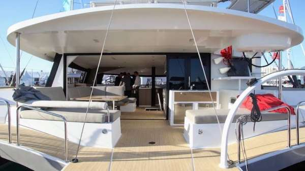 Large transoms for fun watersport time - 3 different entry points
