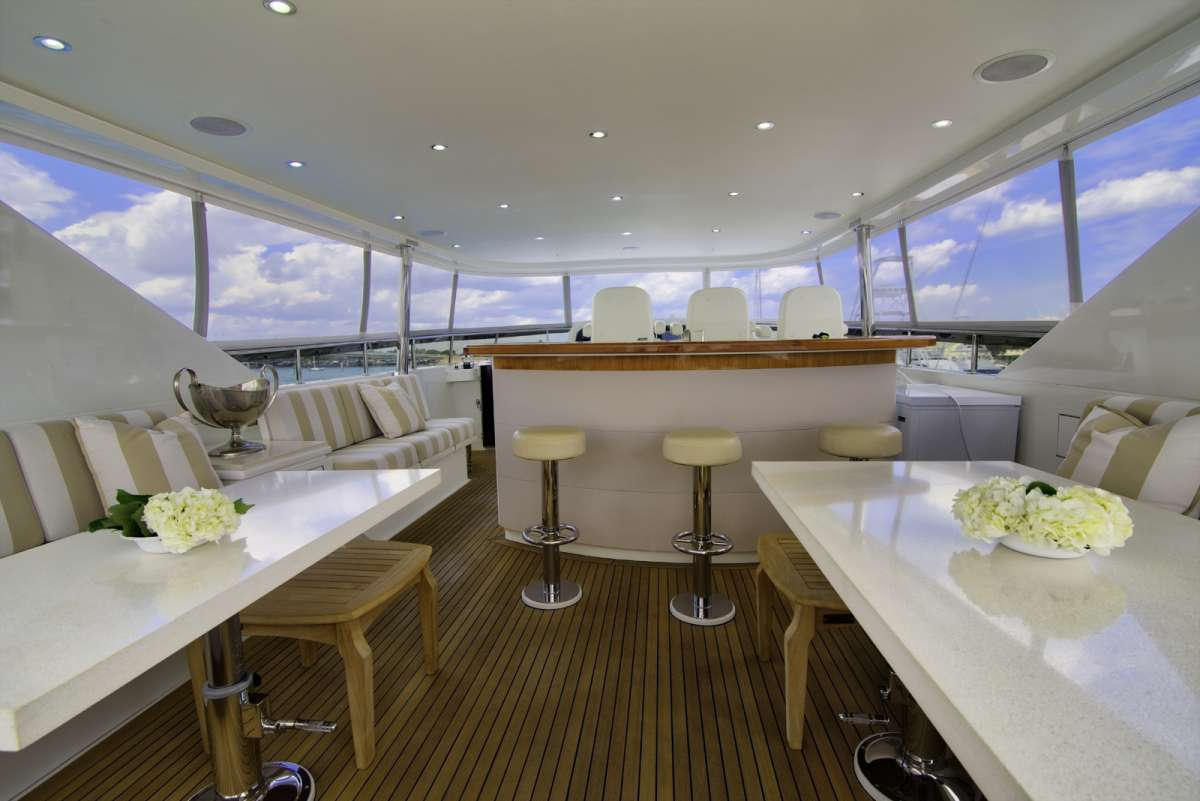 Flybridge Seating and Bar