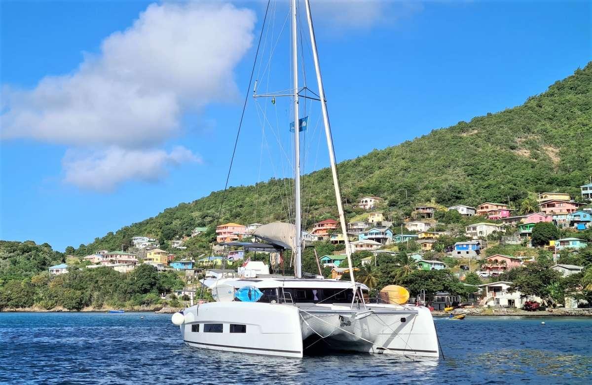 charter yacht Neuroseas