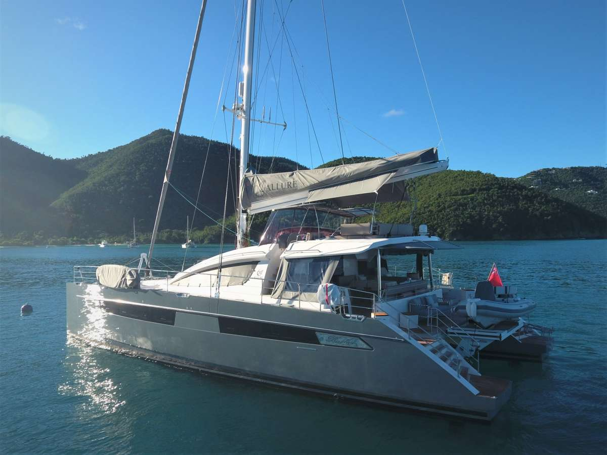 charter yacht Allure 64
