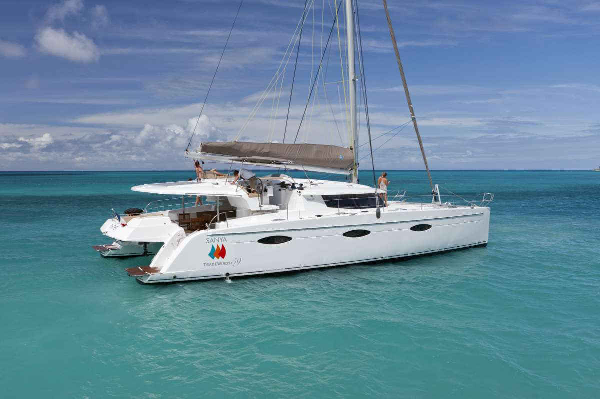TW59 Luxury Sailing Catamaran (5 Guest Cabins)  Rate is fully inclusive of all gourmet meals serve