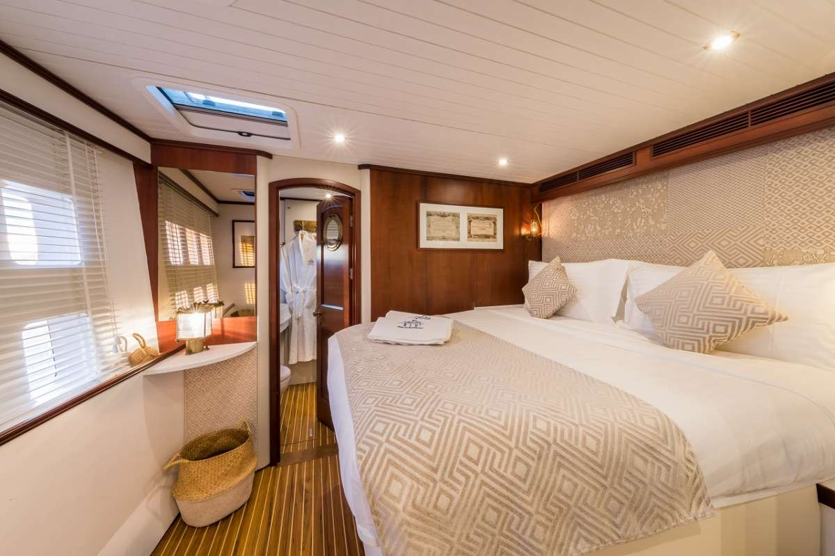 Guest stateroom portside