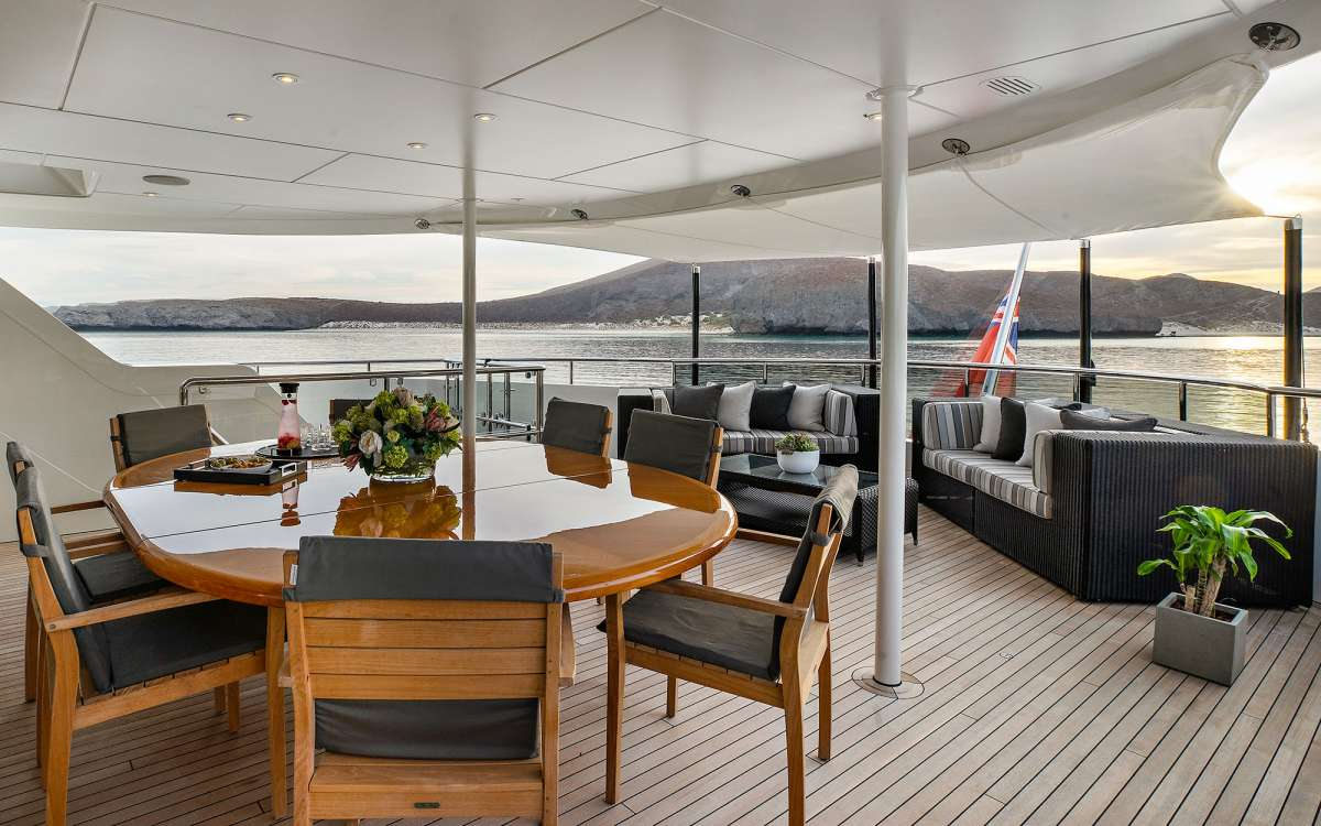 Owners Deck Dining