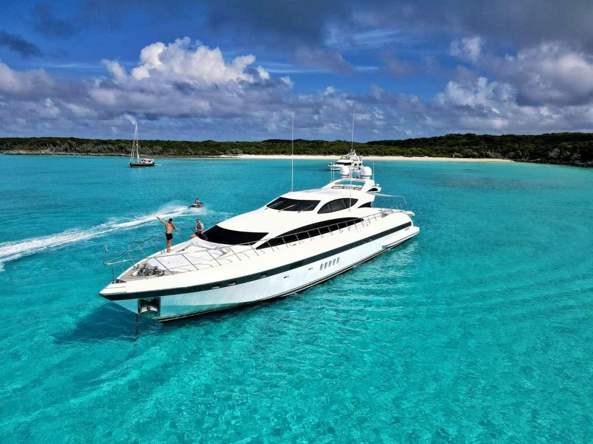 DAYA Luxury Yacht