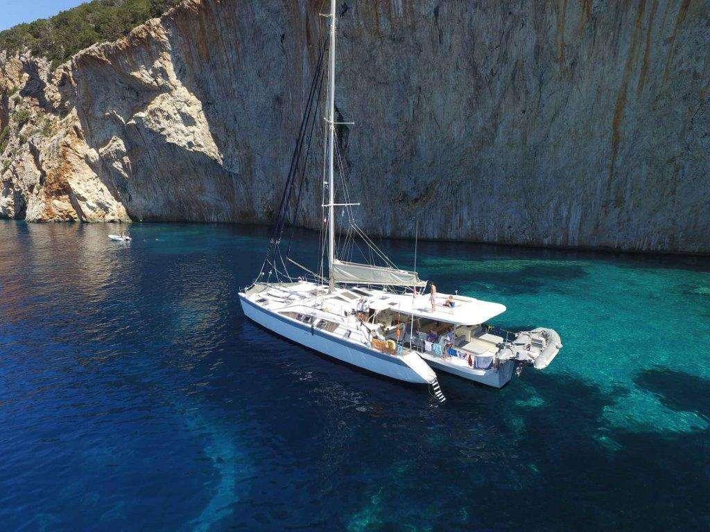 Yacht charter Conan
