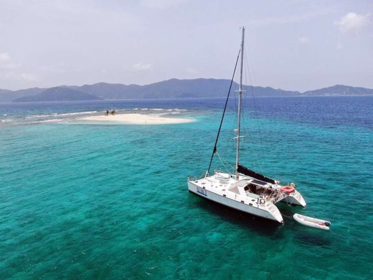 Catamaran Charter Belline Ii