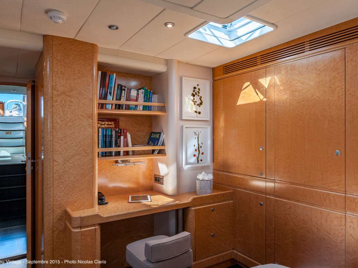 The master cabin with the desk