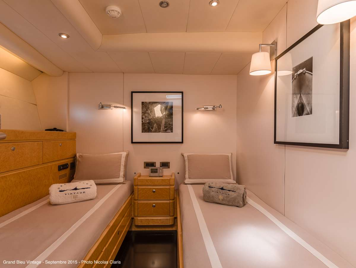 Guest middle twin cabin (starboard)