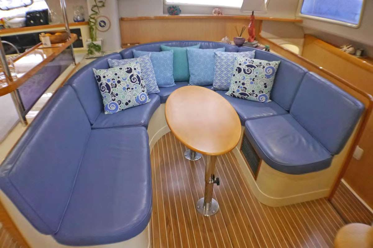 Catamaran Charter Jet Stream