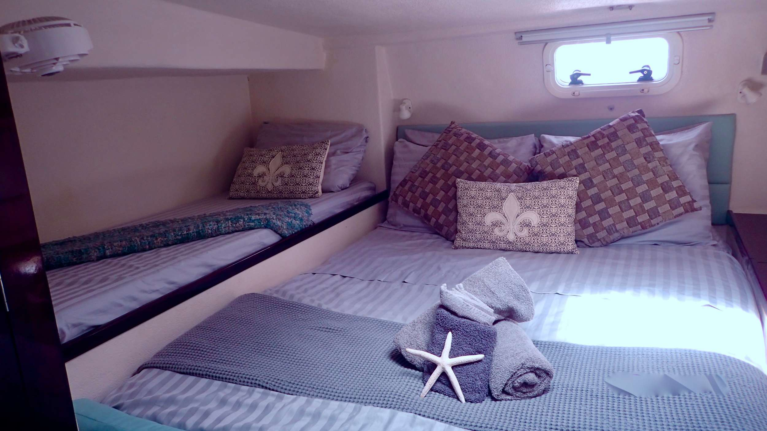 Aft double cabin with pullman berth
