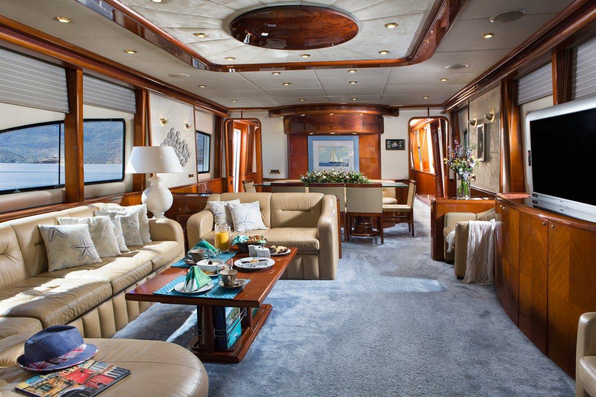 motor yacht NITTA V