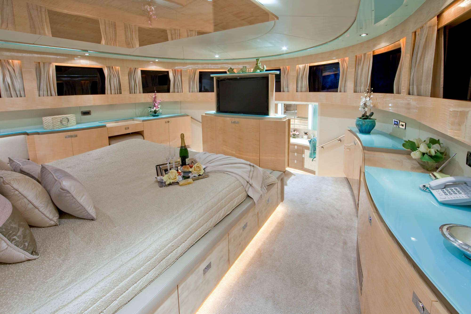 motor yacht DIAMOND GIRL