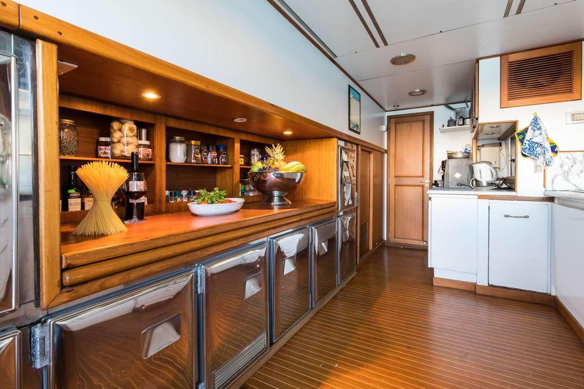 motor yacht NAFISA