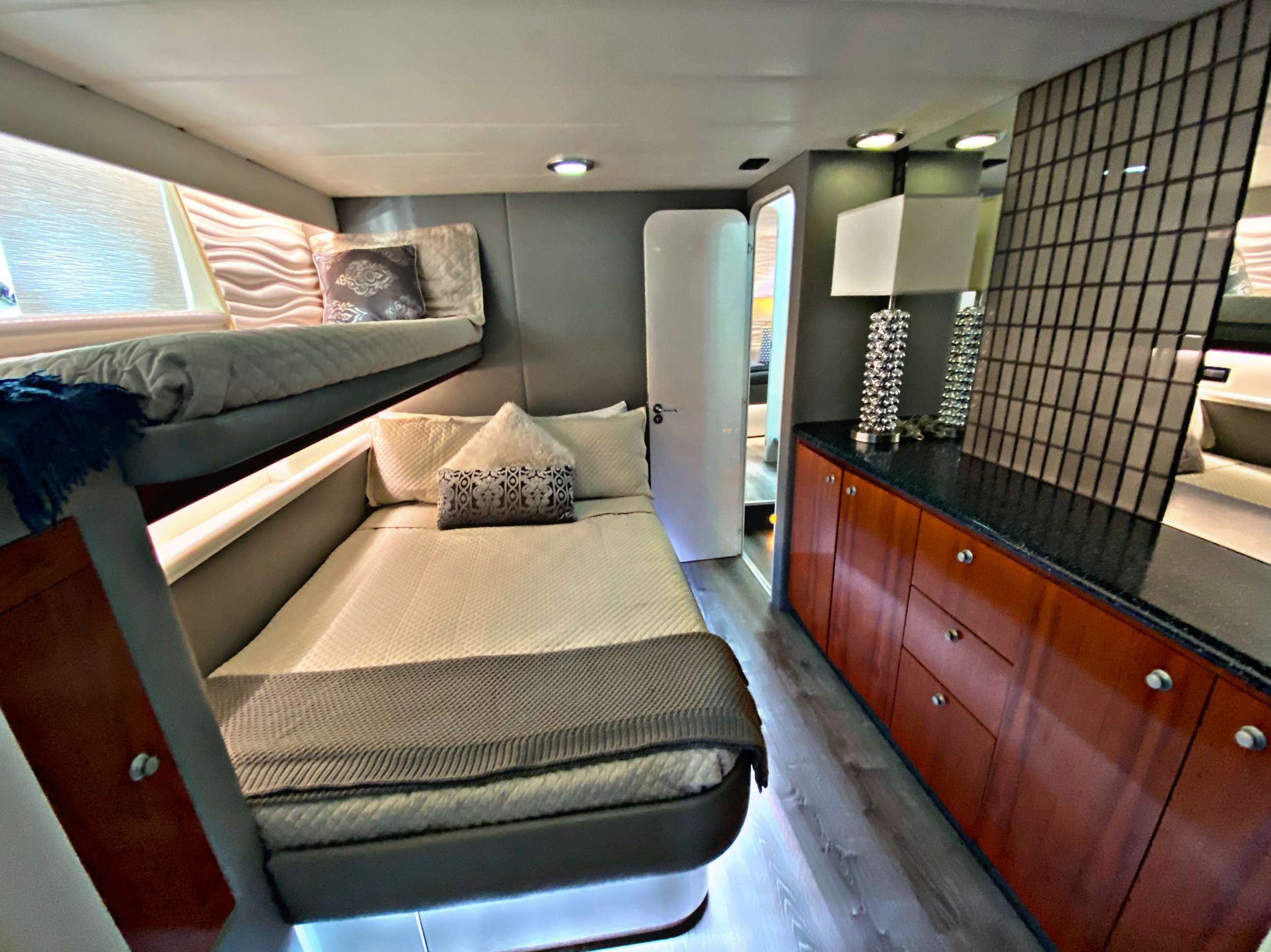Port Stateroom - Ensuite Double w/single above