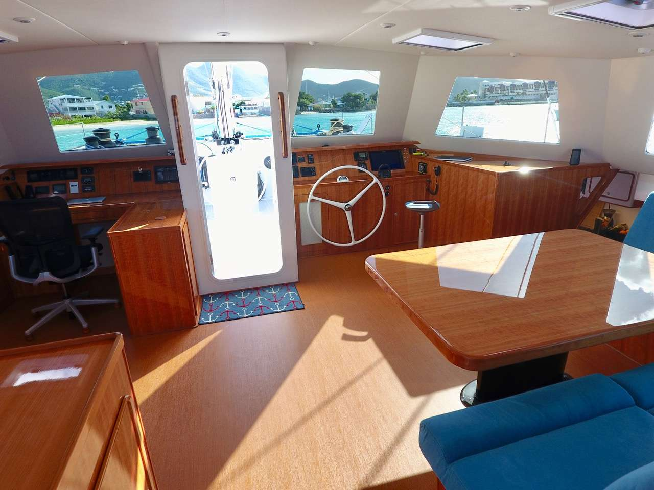 Saloon and interior helm station
